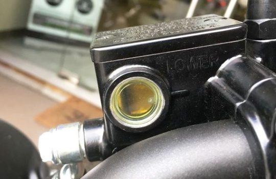 Cara Mudah Mengganti Minyak Rem Sepeda Motor dengan Benar Tanpa ke Bengkel